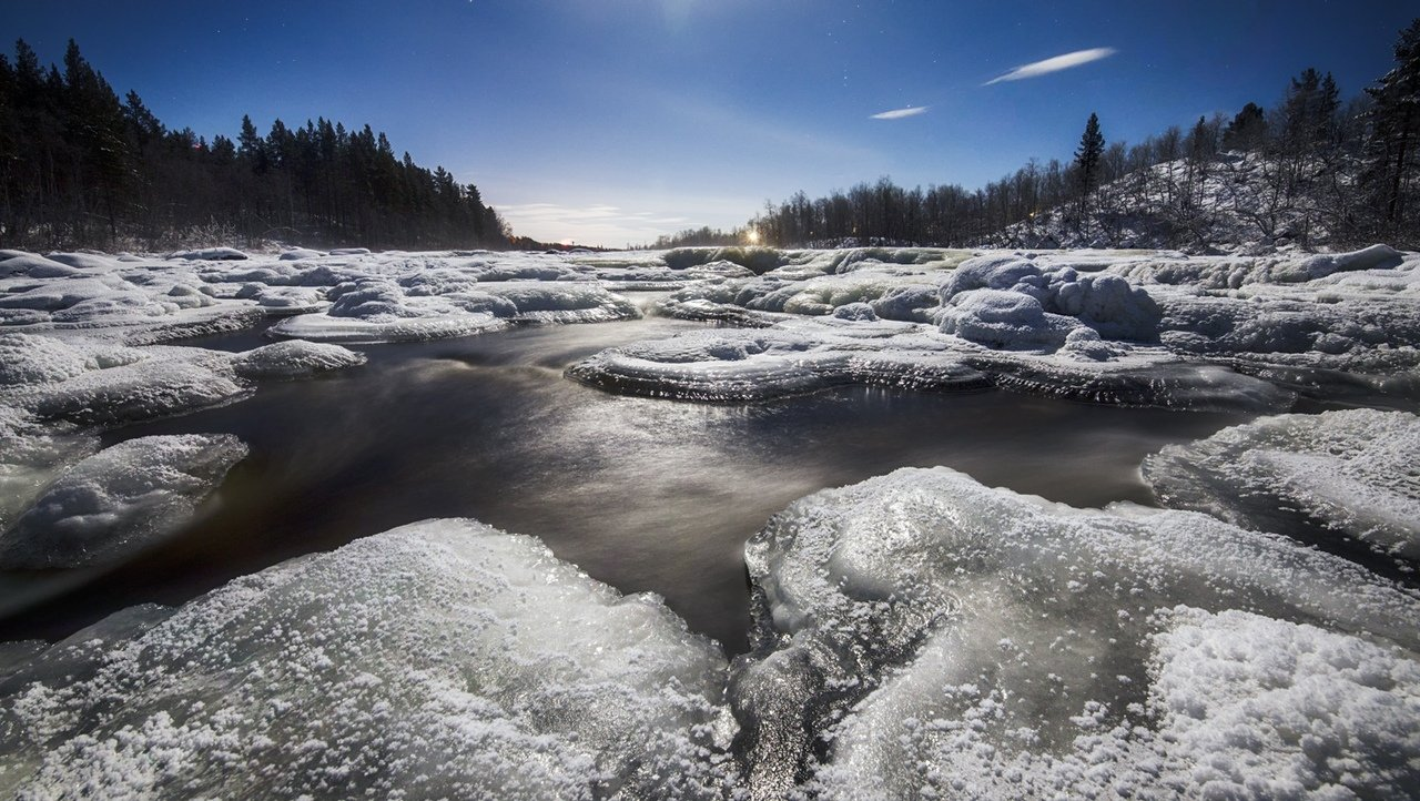 Кола.холодная река.jpg